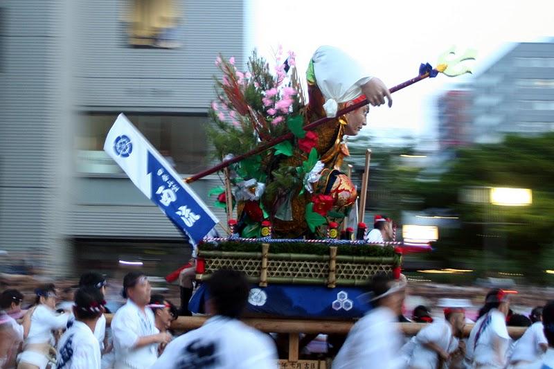 japanese seasonal tradition held - 800×533