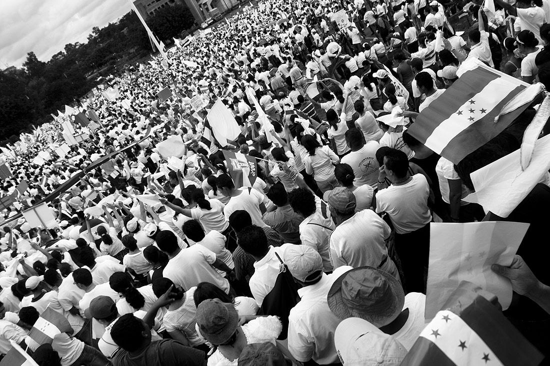 Hondurans opposing Manuel Zelaya.