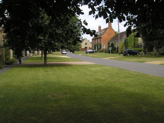 Honington, village street - geograph.org.uk - 1633832