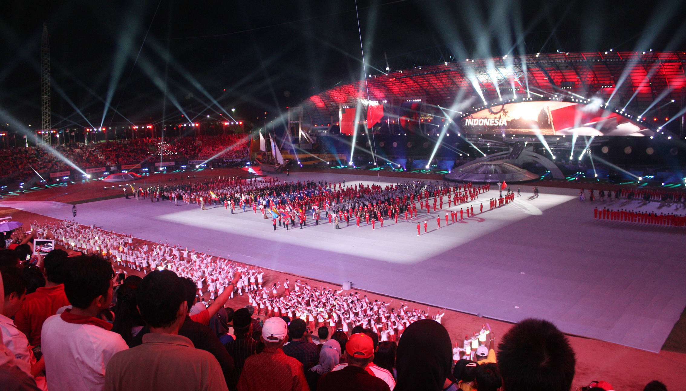 File:Indonesian athletes marching, SEA Games 2011 Opening ...