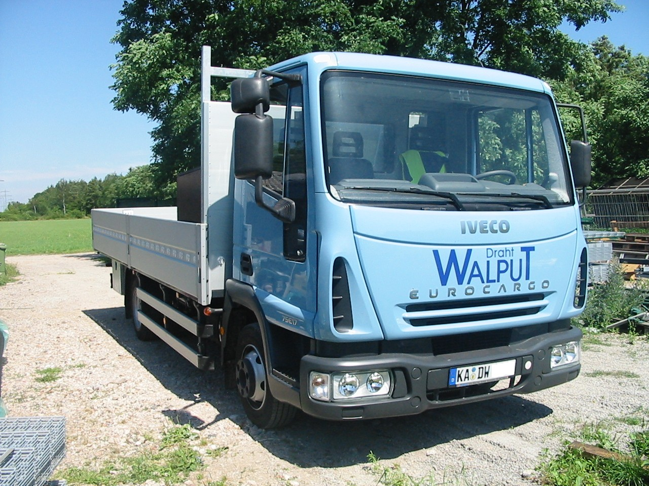 File iveco eurocargo jpg wikimedia commons for Cuisine 7000 euros