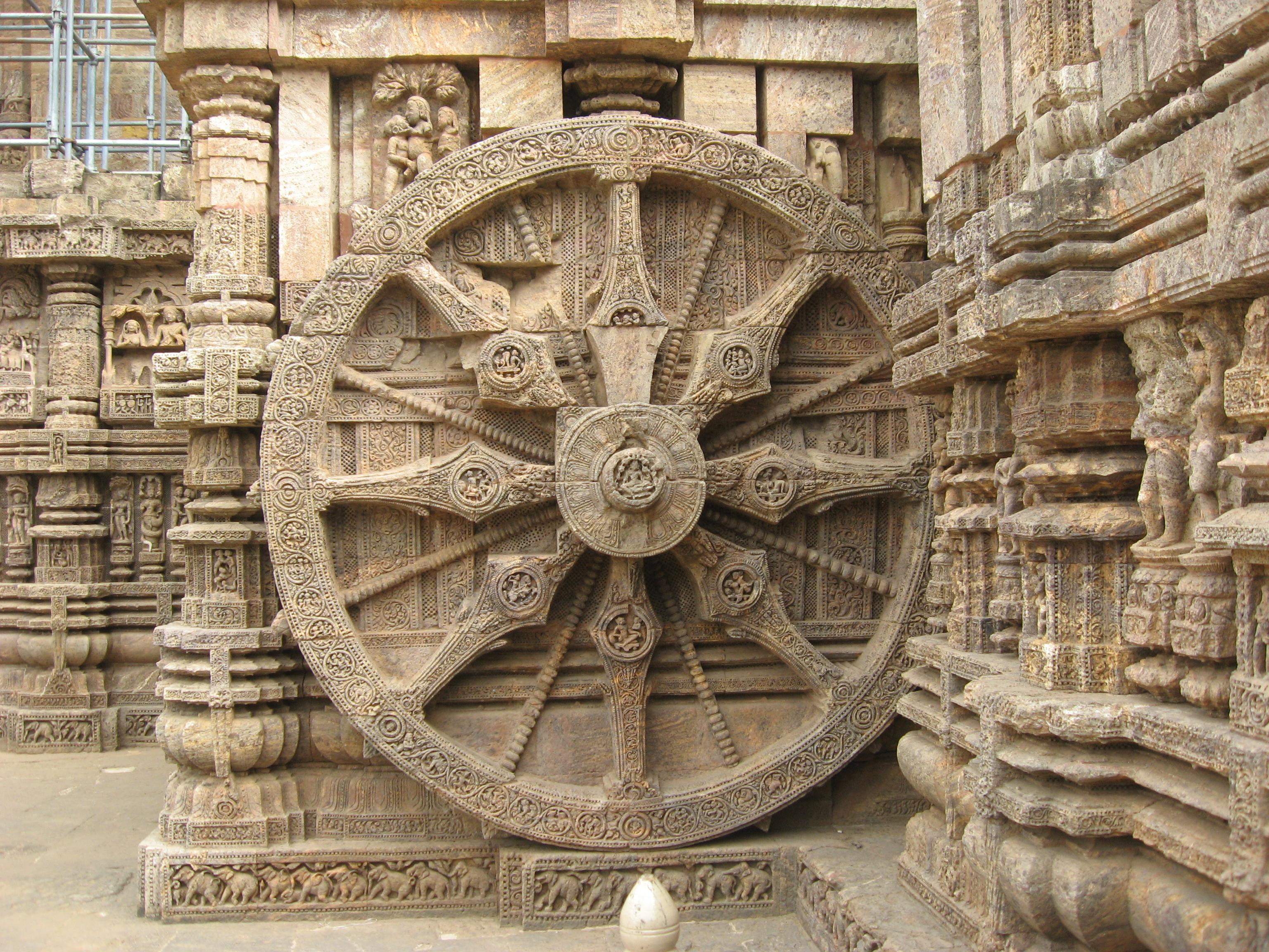 file konark sun temple wheel and sculpture by piyal kundu