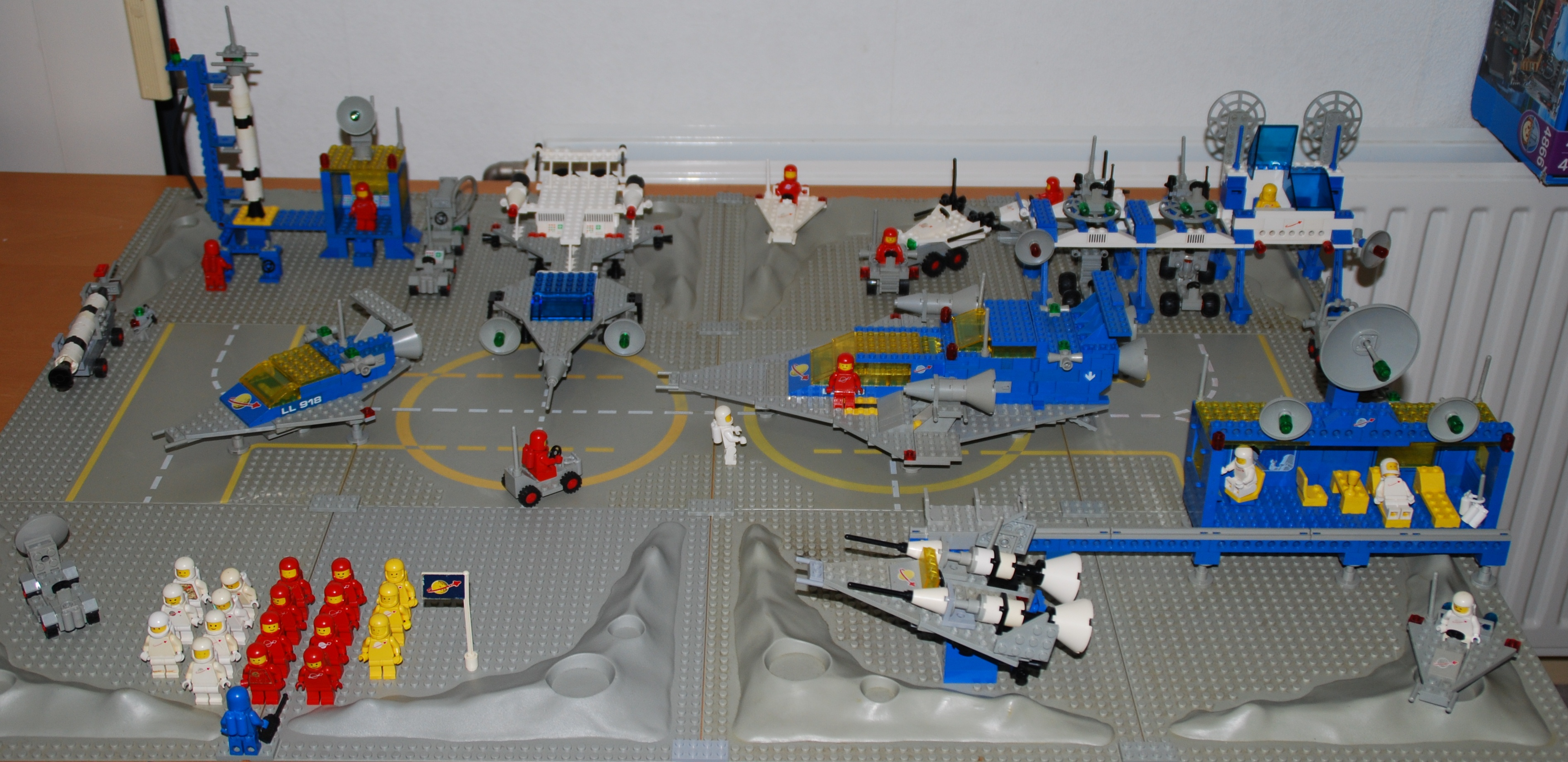 Description lego space sets