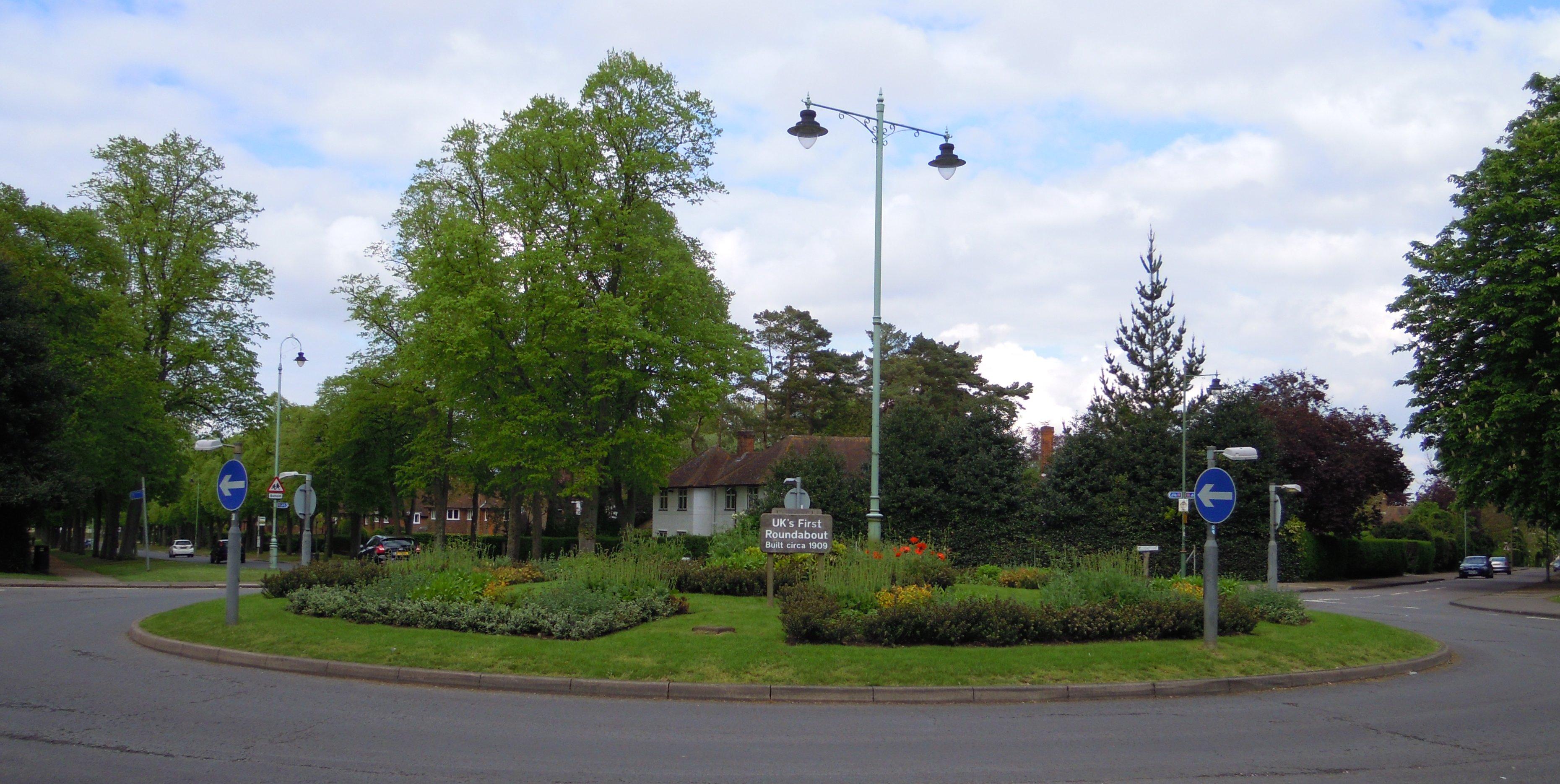 Letchworth Roundabout 1909.jpg