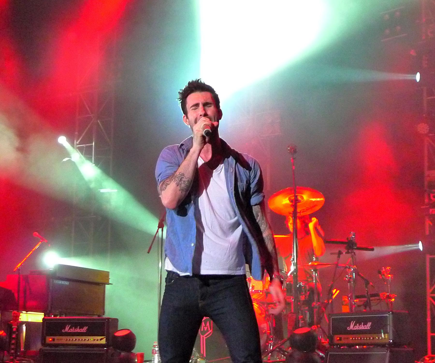 File:Maroon 5 Live in Hong Kong 29 crop.jpg - Wikimedia Commons