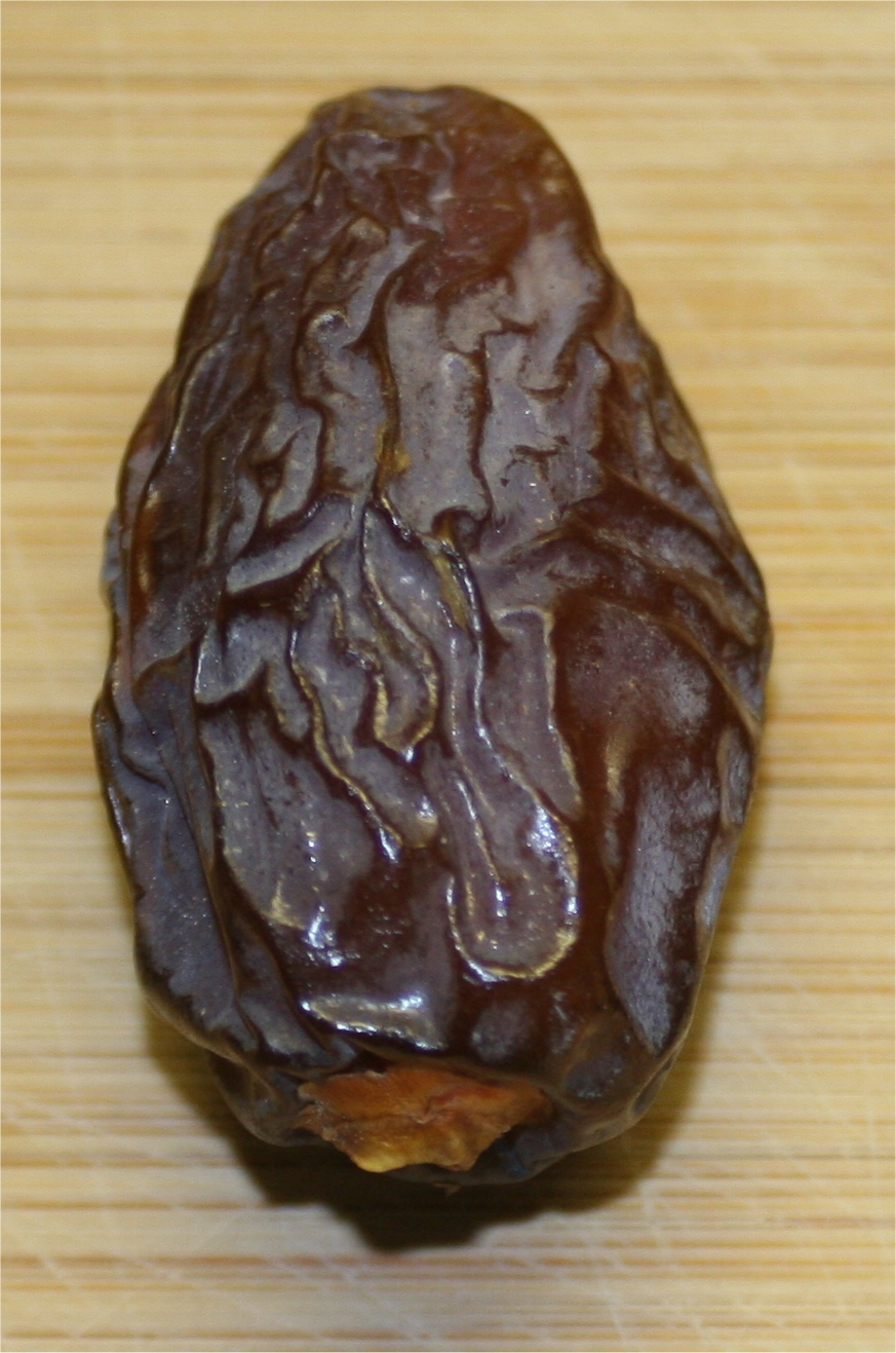 File:Pitted dates.JPG - Wikimedia Commons