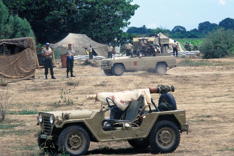 Les FAR en Somalie Moroccan_military_jeeps_in_Somalia