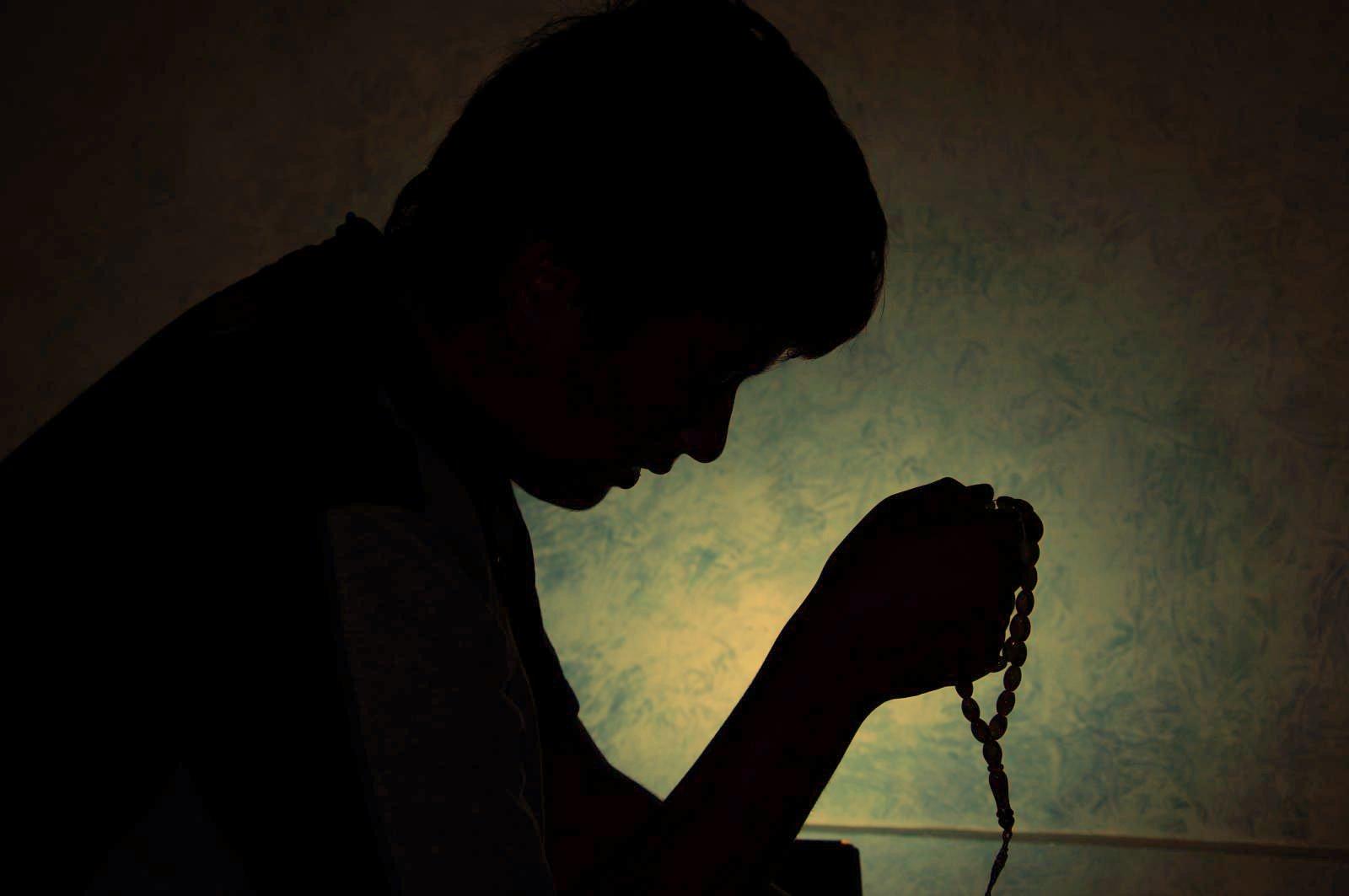 file muslim prayer beads jpg wikimedia commons