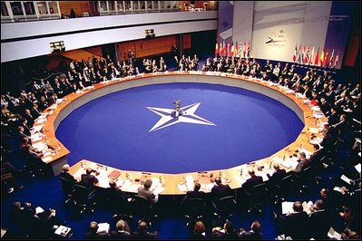 http://upload.wikimedia.org/wikipedia/commons/7/7e/NATO-2002-Summit.jpg