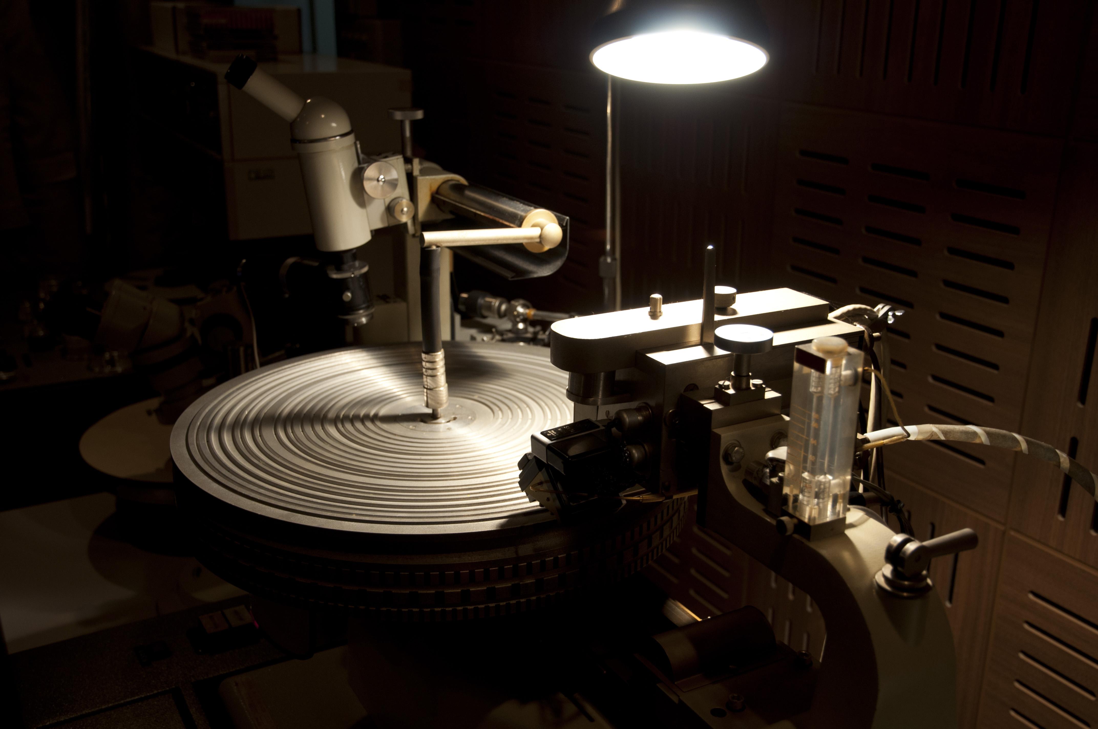 File Neumann Cutting Machine 01 Jpg Wikimedia Commons