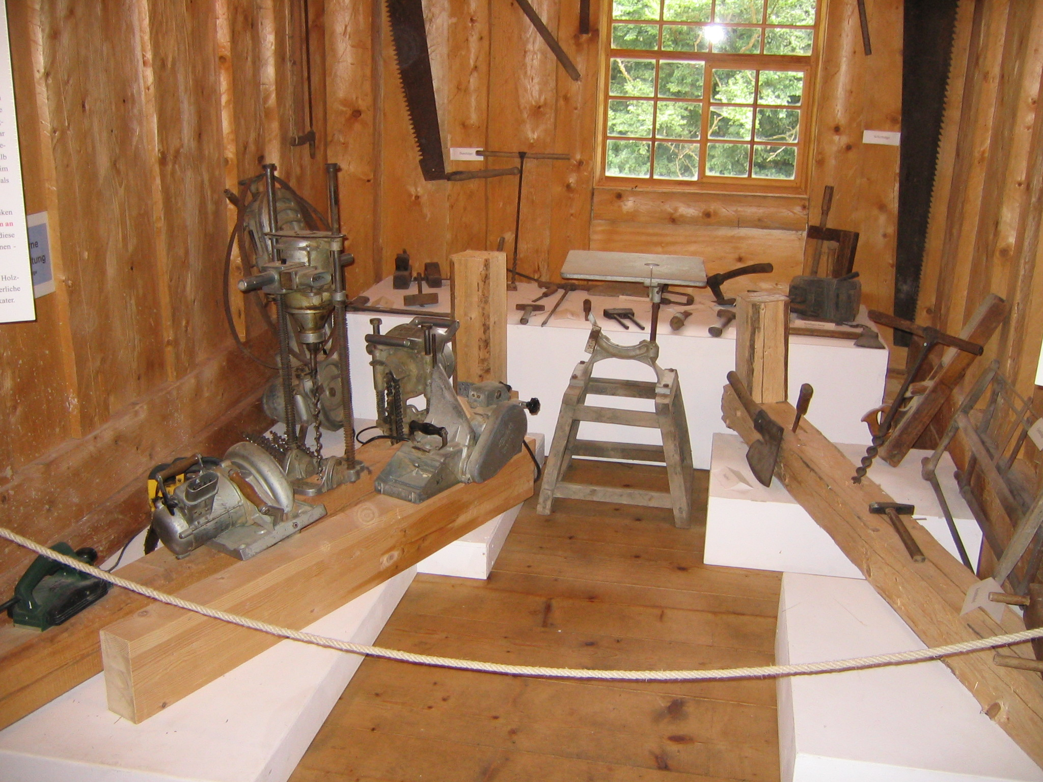 File:Noe carpenters tools.jpg - Wikimedia Commons