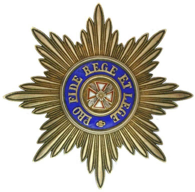 Orden del Águila Blanca Insignia star.jpg