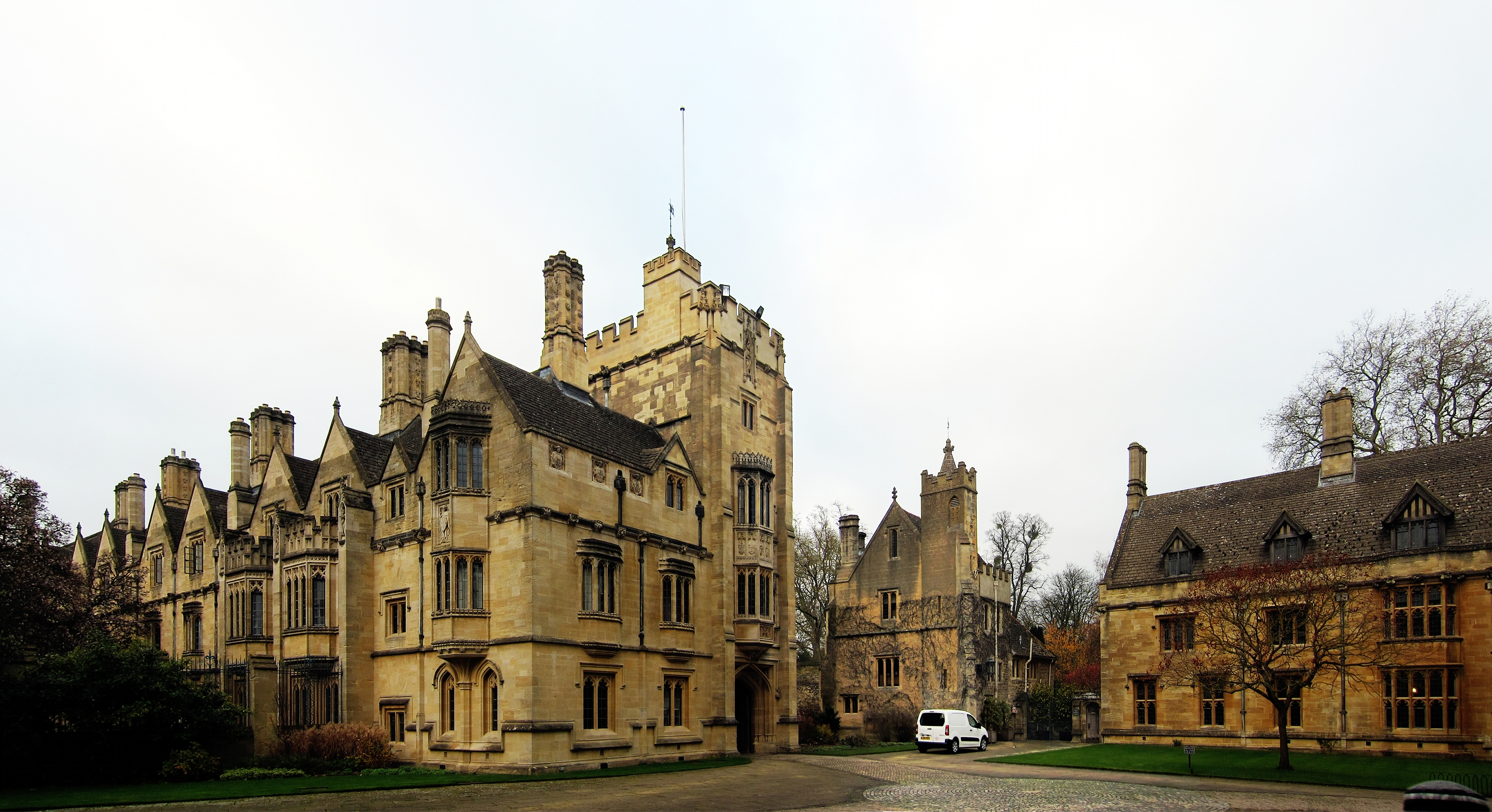 File:Oxford magdalen college cour.jpg - Wikimedia Commons