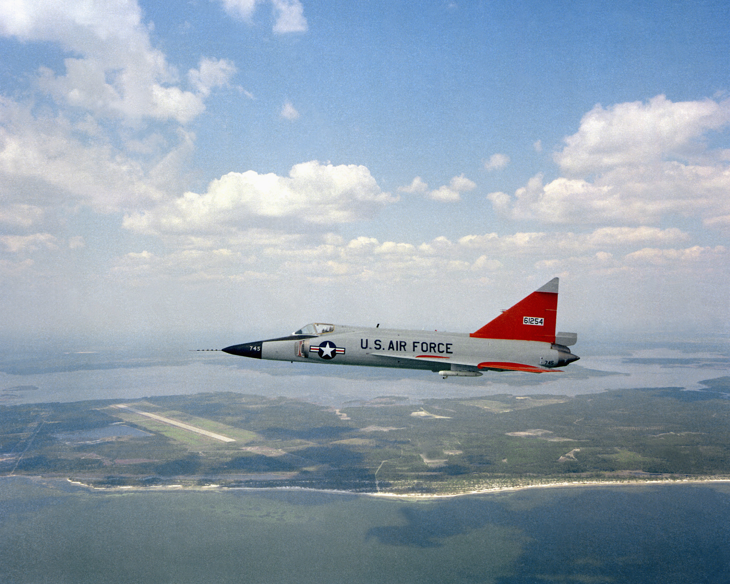 File pqm 102a over tyndall afb 1980 jpeg wikimedia commons for Tyndall afb alloggio cabine