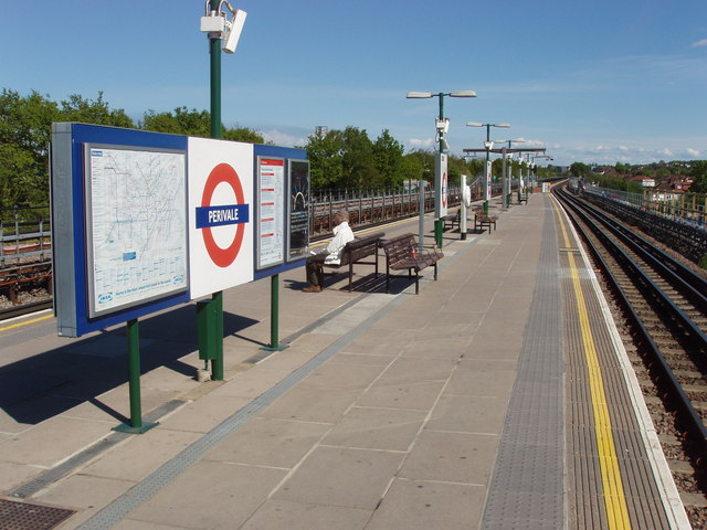 Perivale Underground Station, Central Line - geograph.org.uk - 1279886