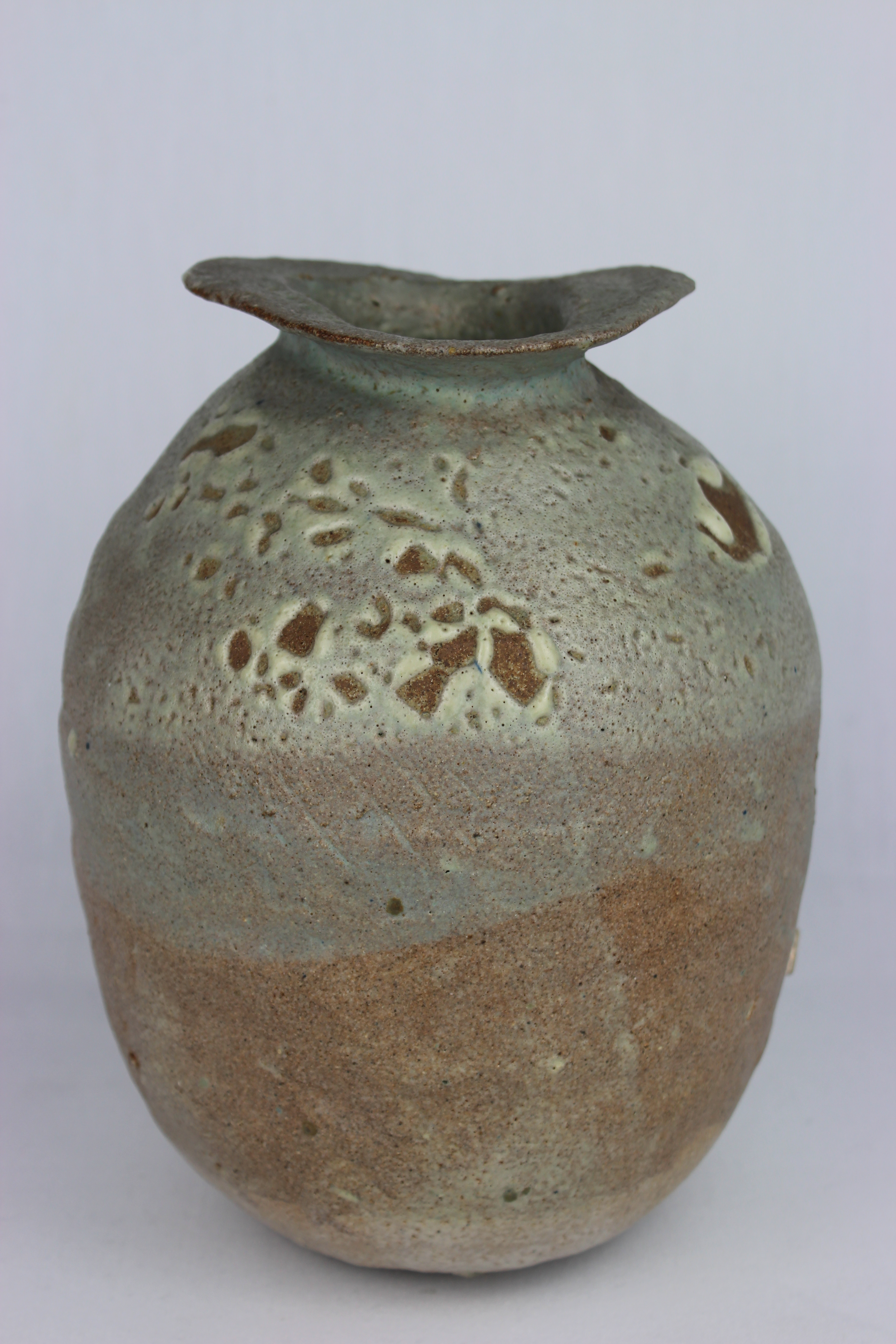 File Pinched Coiled Pot By Ewen Henderson Yorym 2004 1