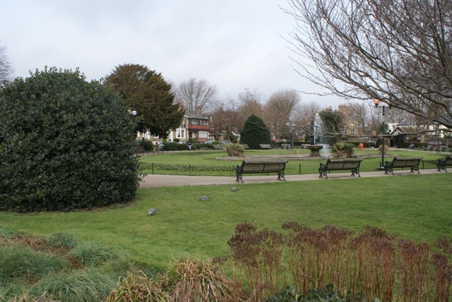 File:Prittlewell Square.jpg