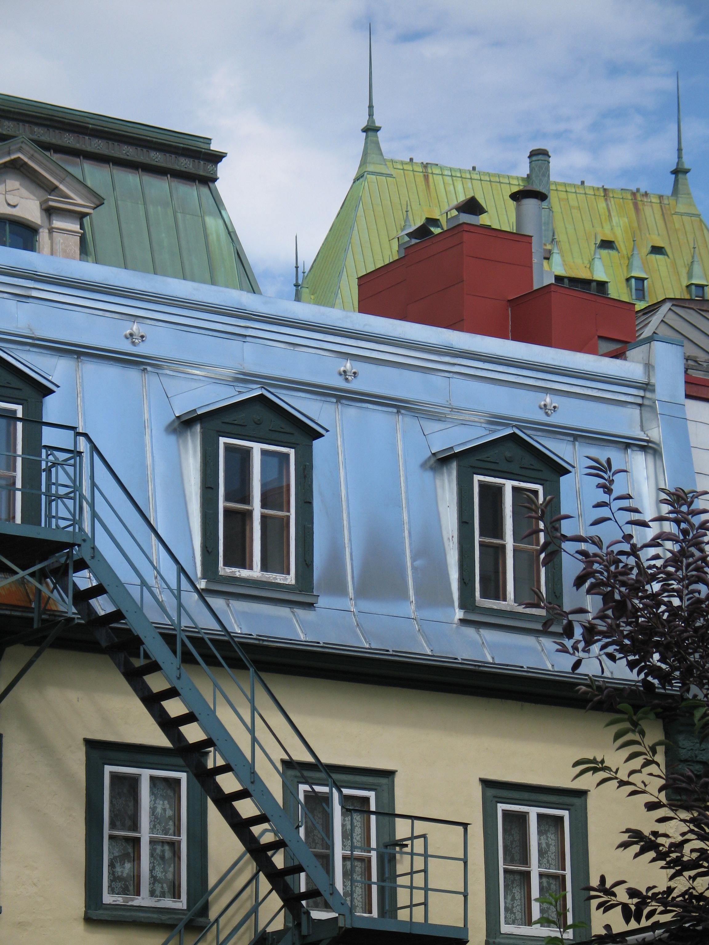 File qu bec toits du vieux qu wikipedia for Architecture ancienne