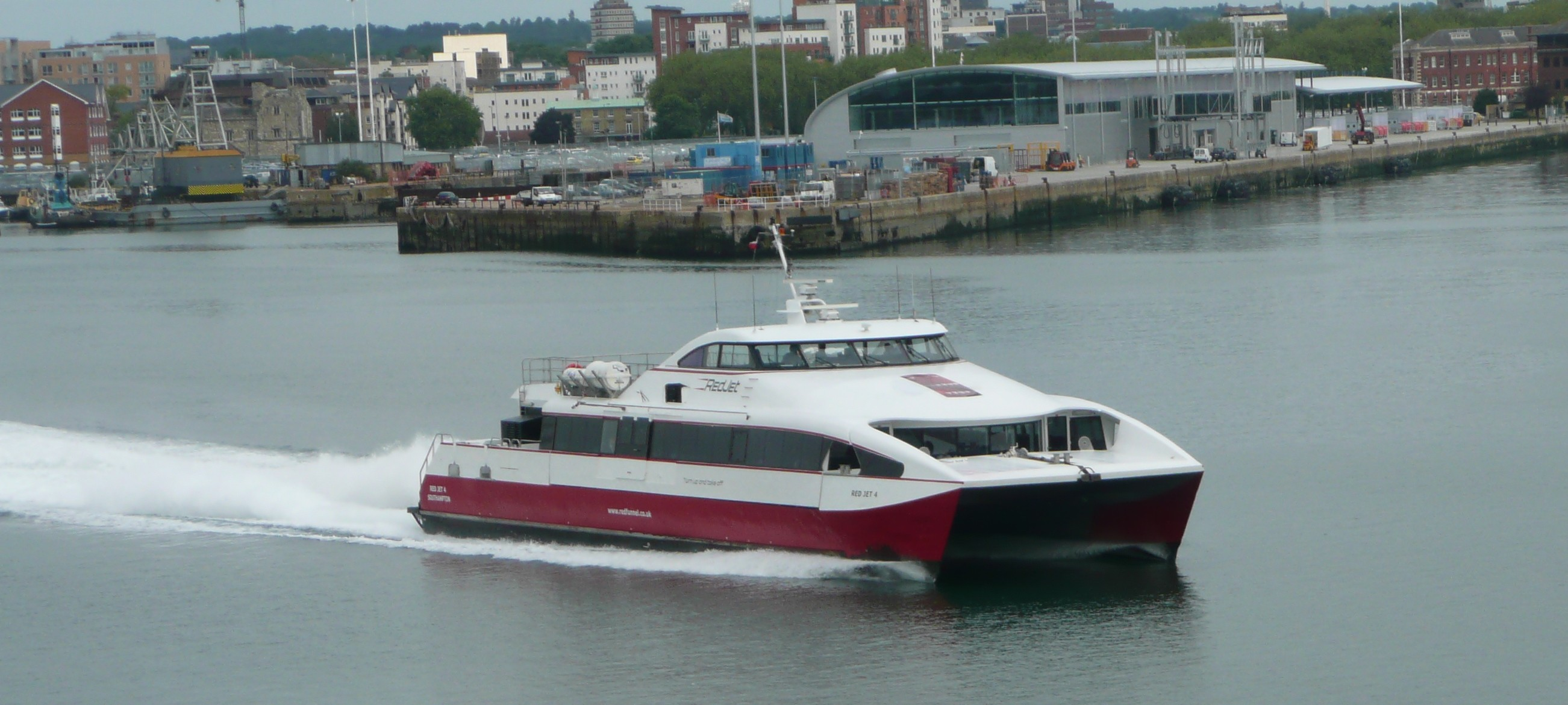 File Red Funnel Red Jet 4 2 Jpg Wikimedia Commons