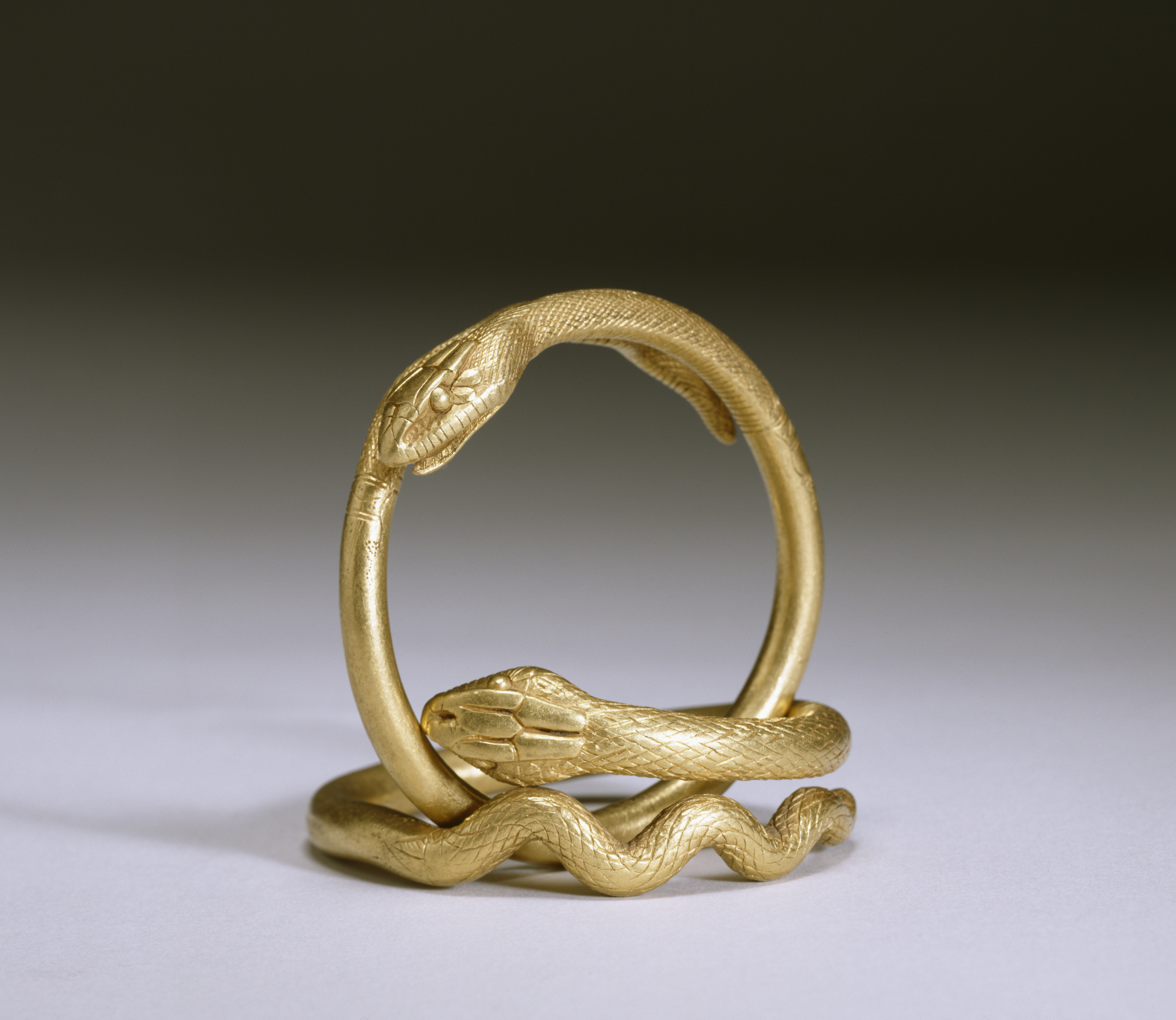 Gold Ring Around Items At Pokestops