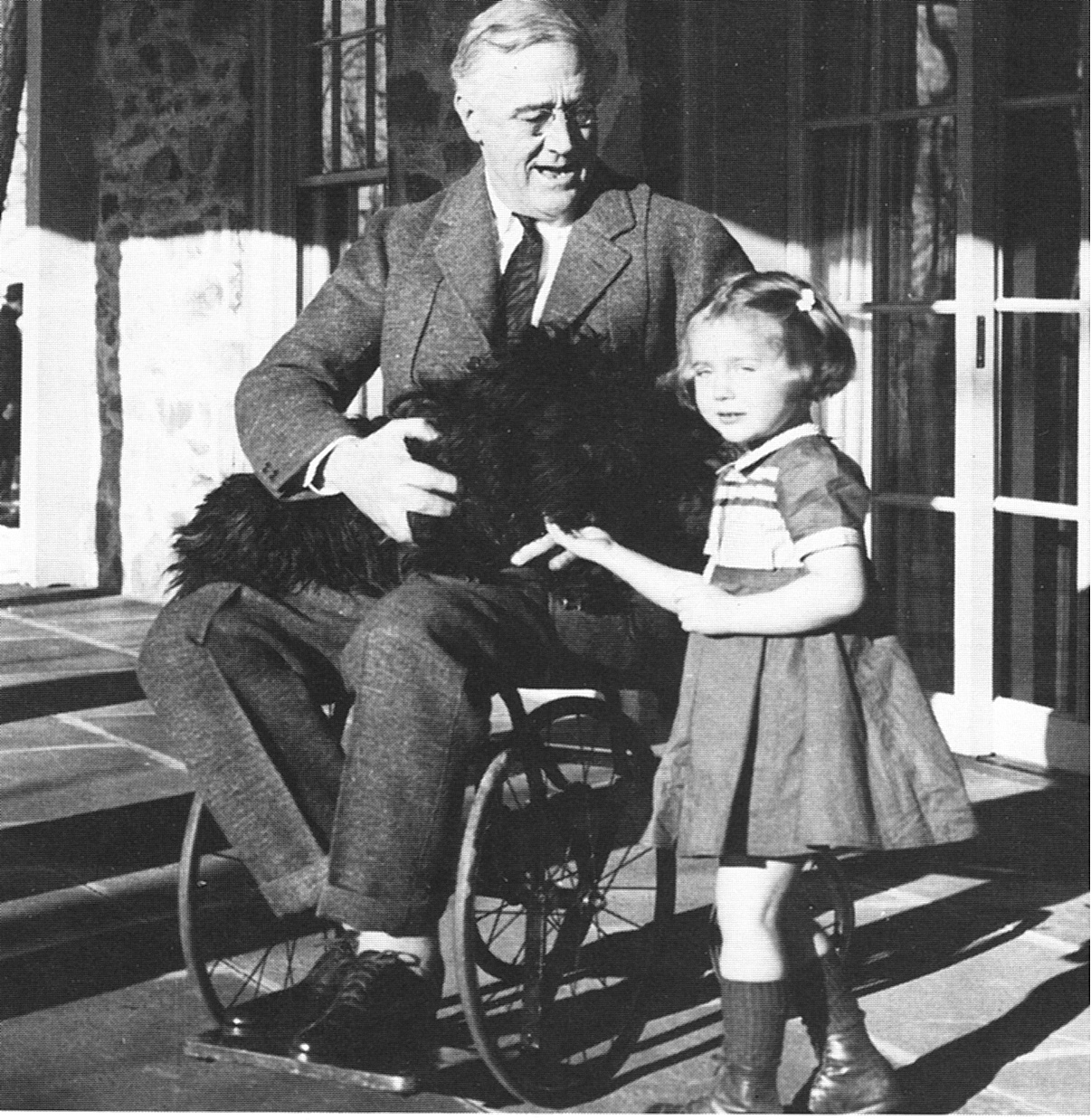 how president roosevelt took power and led the country The us was in a state of depression when roosevelt took president roosevelt and the new deal person or body would have too much power in the.
