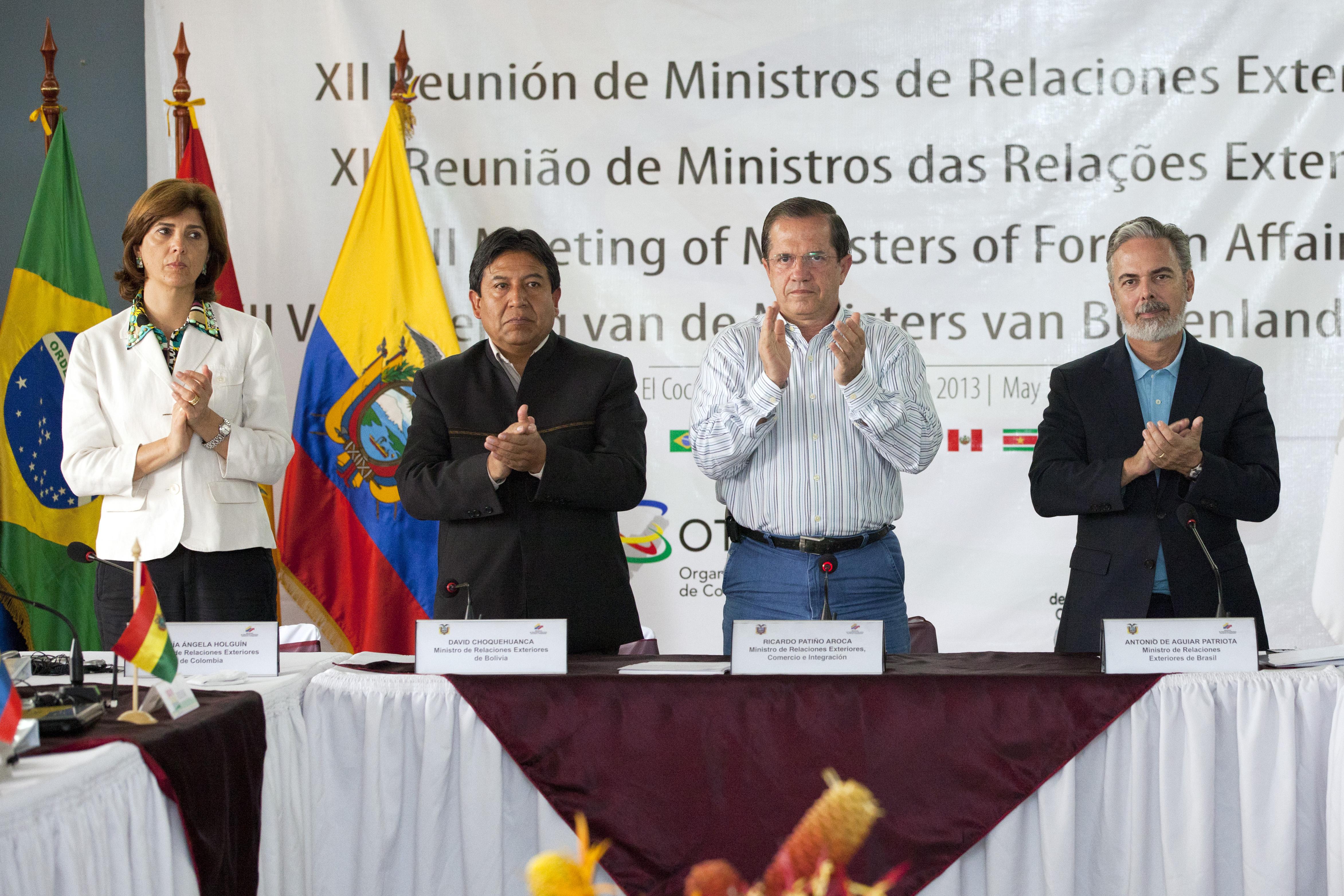 File:Rueda de Prensa sobre la reunión de los países miembros de la OTCA  (8706116972).jpg