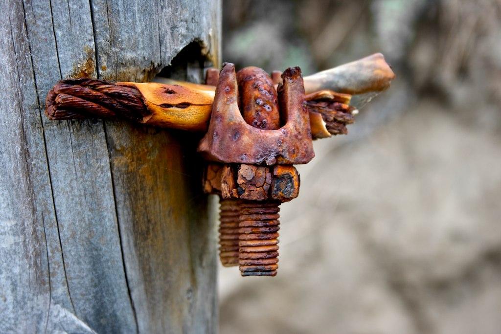 File:Rusty Steel wire rope Clamp.jpg - Wikipedia