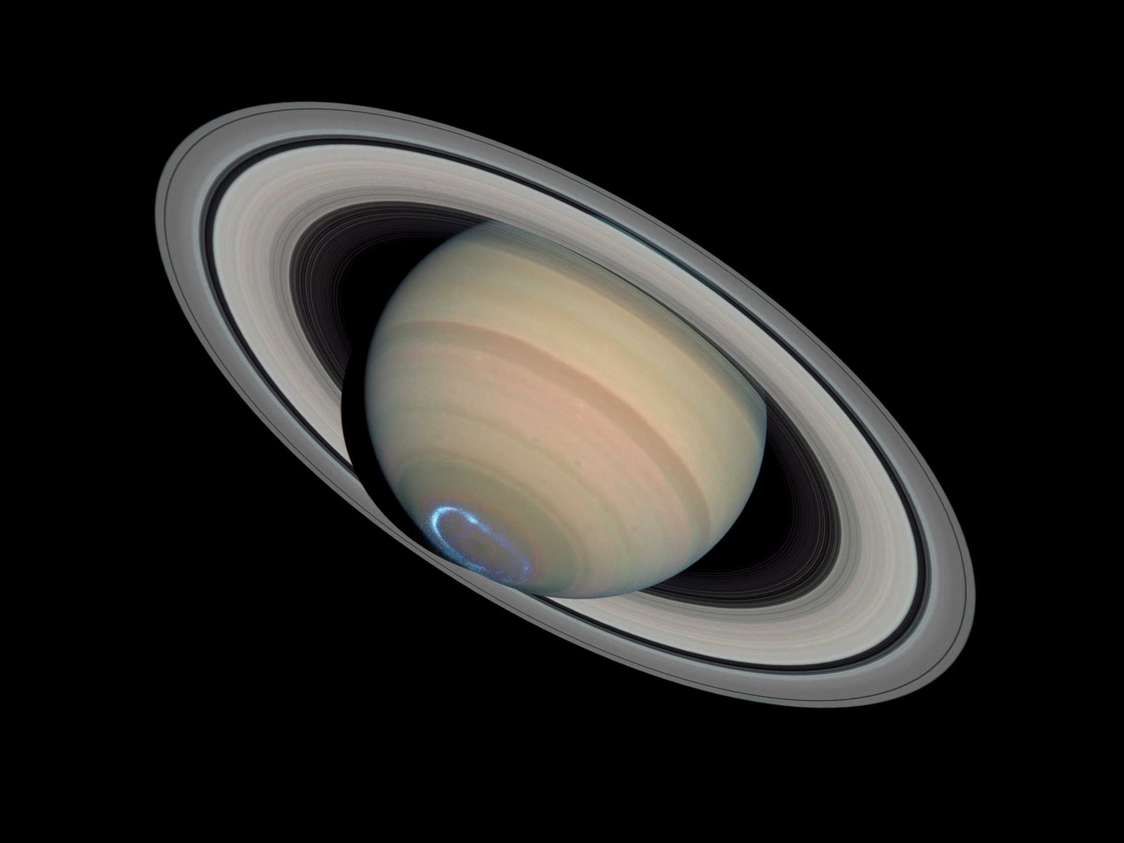 File:Saturn with auroras.jpg - Wikimedia Commons