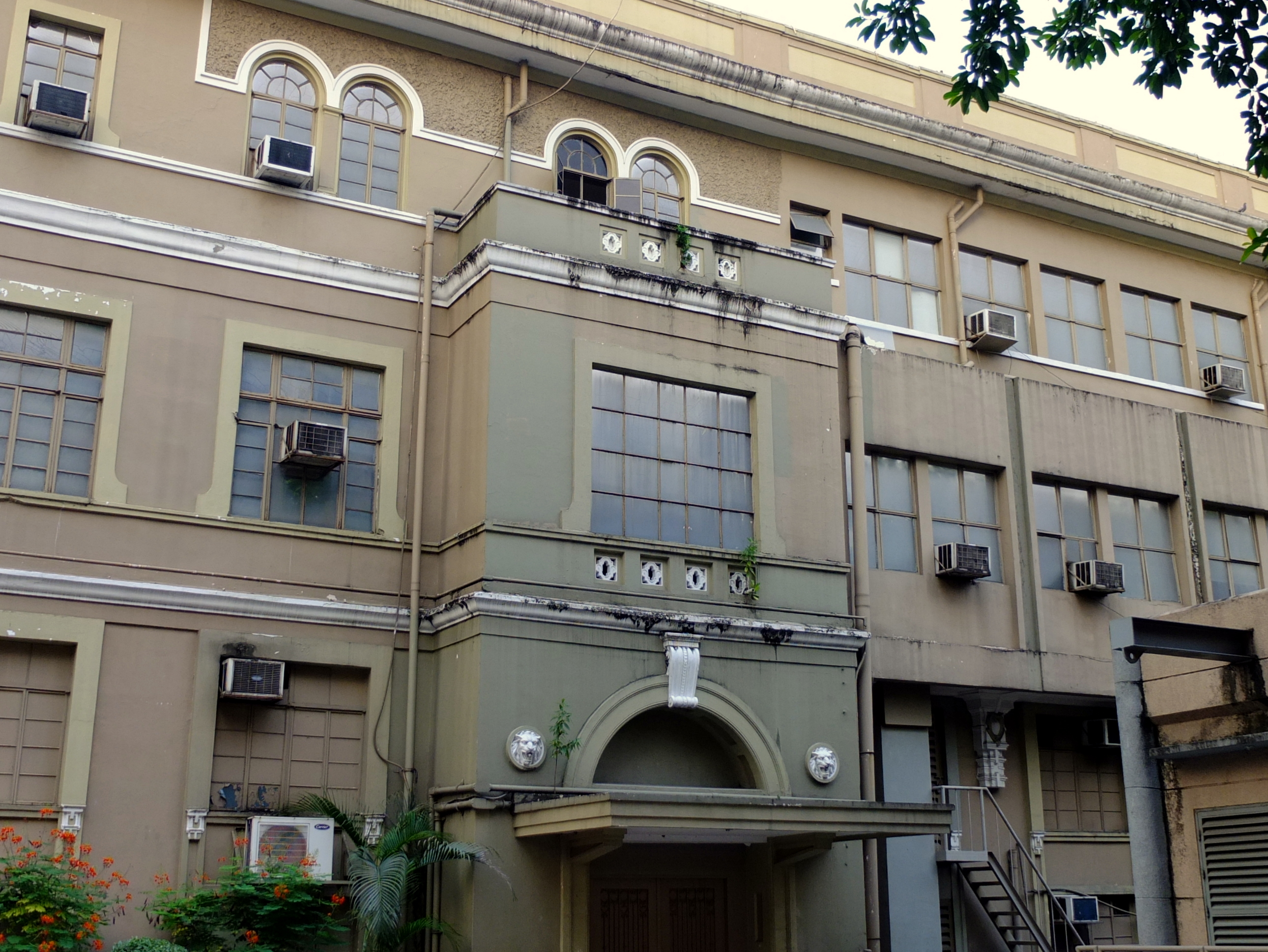UST Hospital, one of the best hospitals in the Philippines.