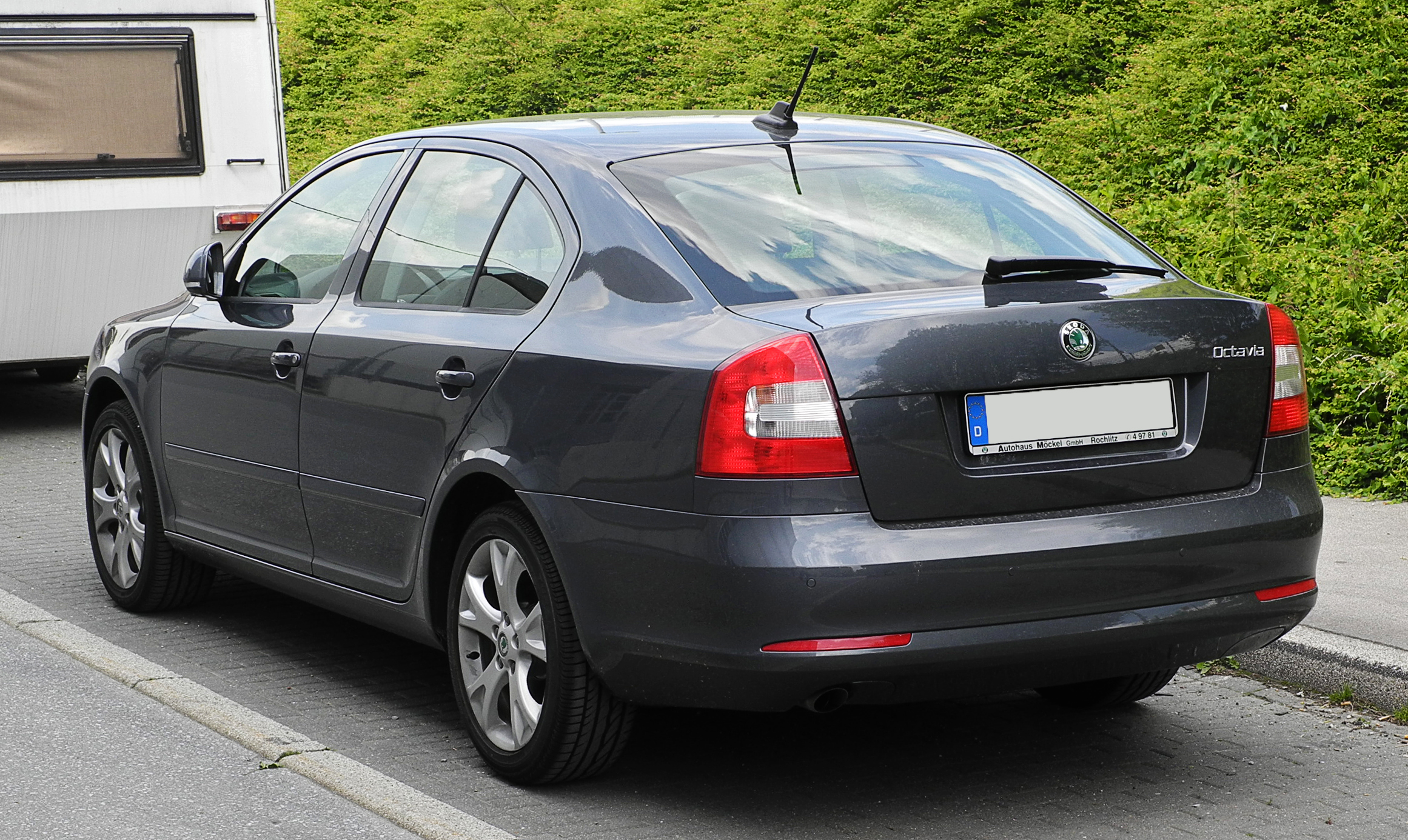 file skoda octavia ii facelift heckansicht 12 juni. Black Bedroom Furniture Sets. Home Design Ideas