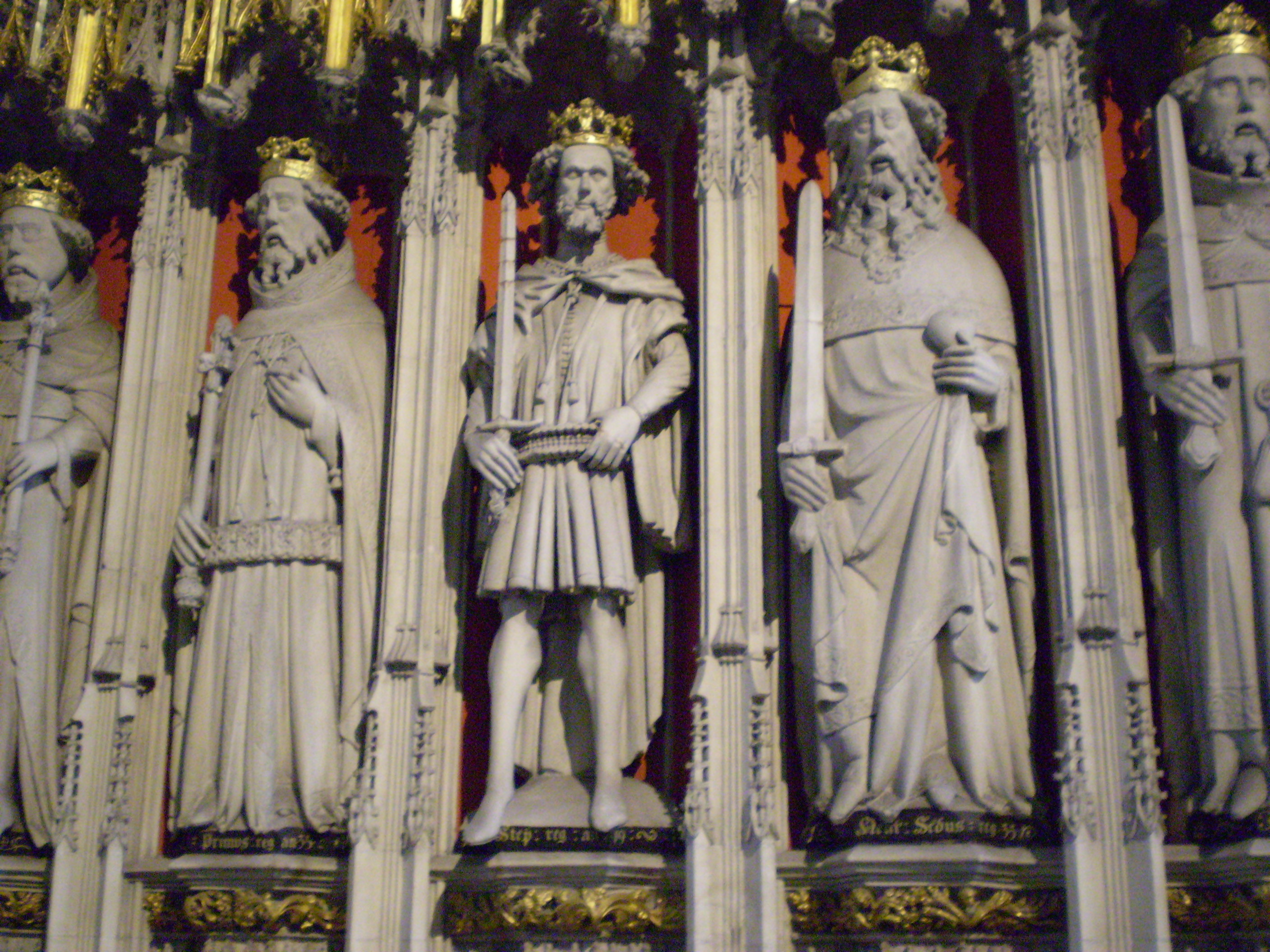 File:Statues of the Kings of England, York.jpg - Wikimedia Commons