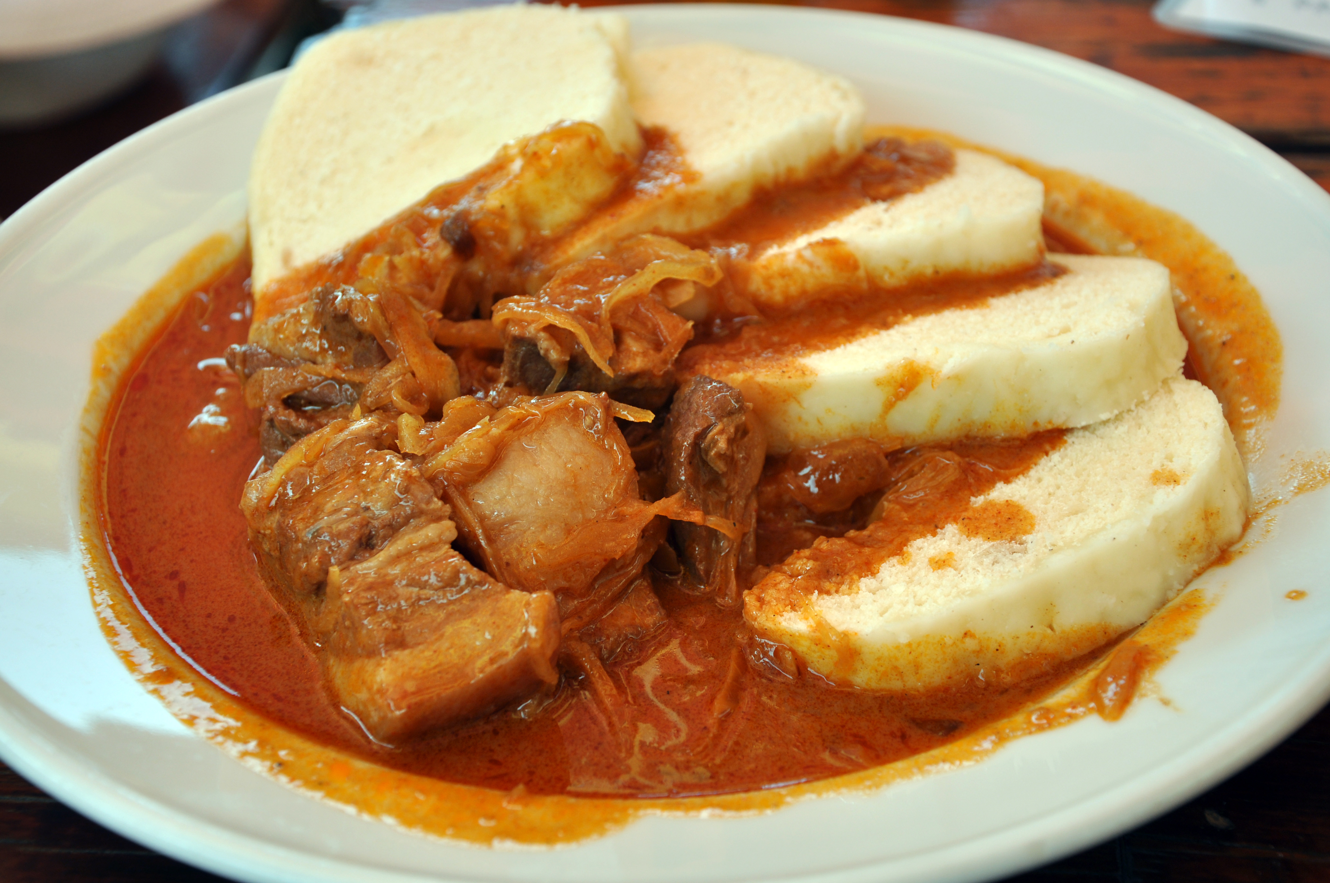 File:Szeged goulash from pork.jpg - Wikimedia Commons