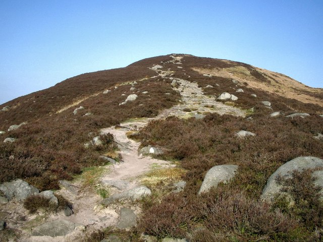 The last lap to Beamsley Beacon - geograph.org.uk - 843940