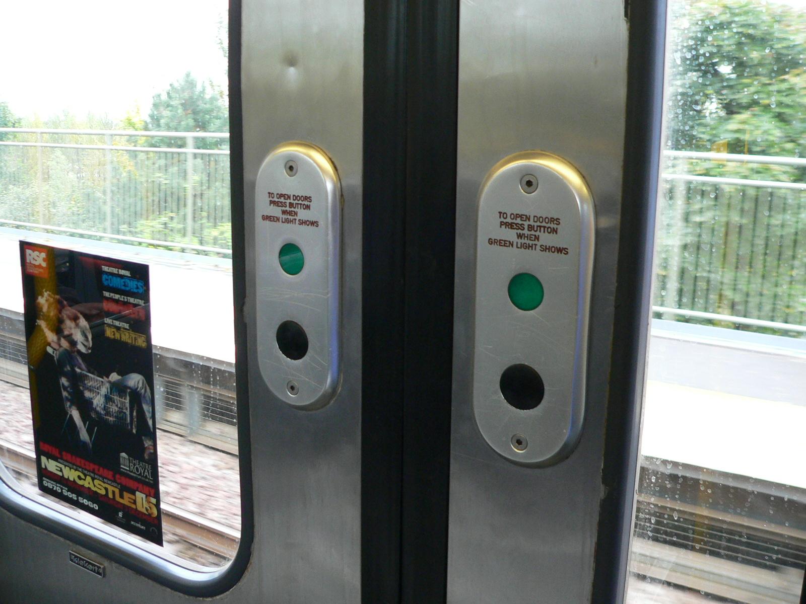 FileTyne and Wear Metro - prototype door buttons.jpg & File:Tyne and Wear Metro - prototype door buttons.jpg - Wikimedia ... pezcame.com