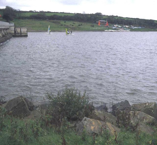 File:Upper Tamar Lake - geograph.org.uk - 914790.jpg