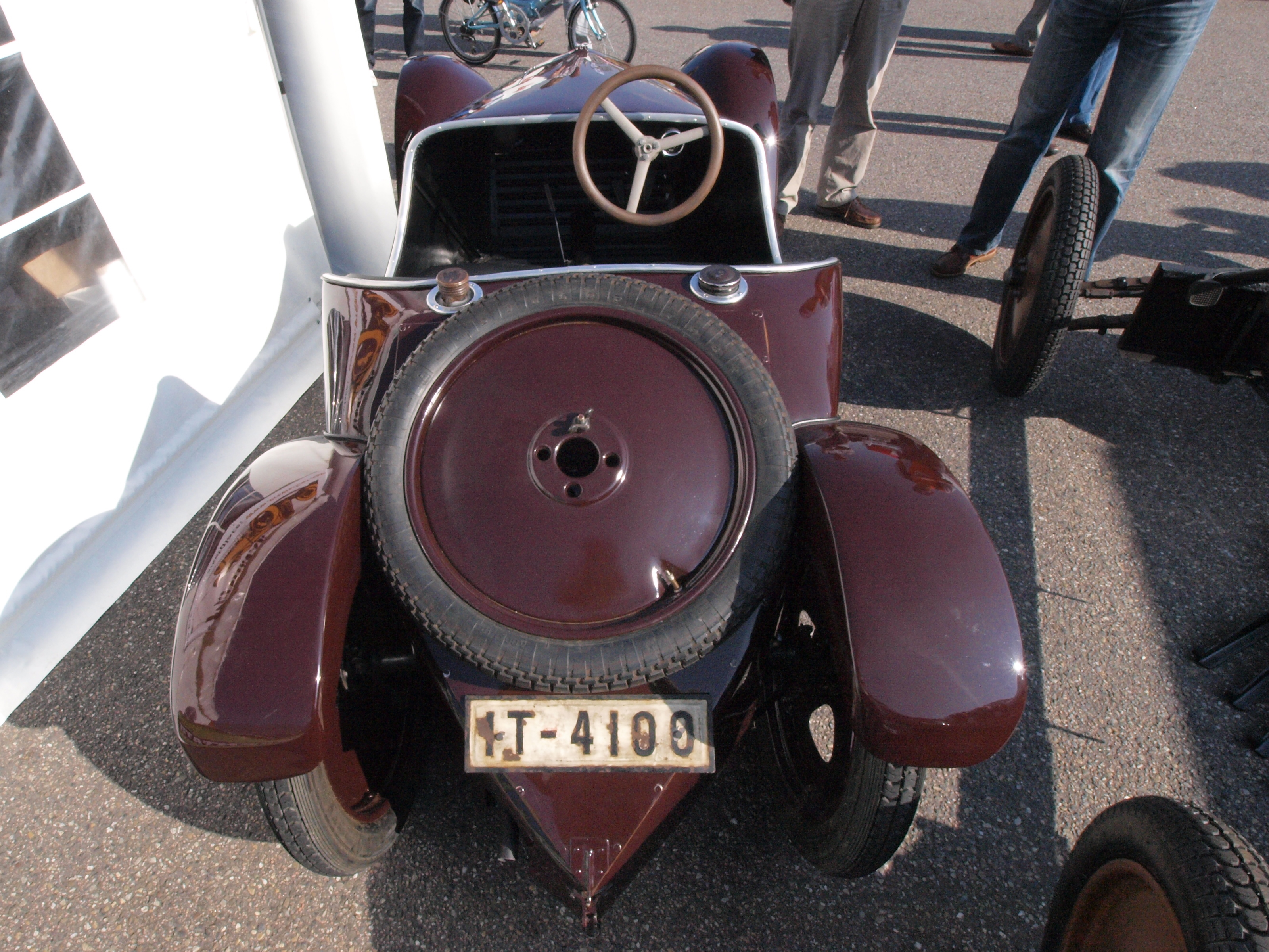 File:Very very old car of unknown brand licence IT-4100 pic1.JPG ...