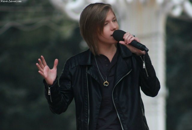 _Kurasov_is_a_Guest_Performer_at_The_X-Factor-4_Ukraine_Auditions.jpg