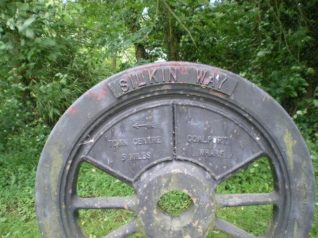 File:Wagon wheel on the Silkin Way - geograph.org.uk - 855343.jpg