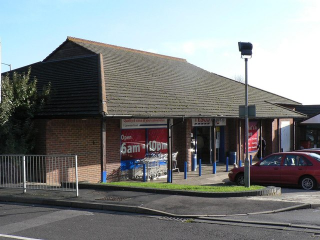 Waterlooville, Stakes Hill Post Office - geograph.org.uk - 625878