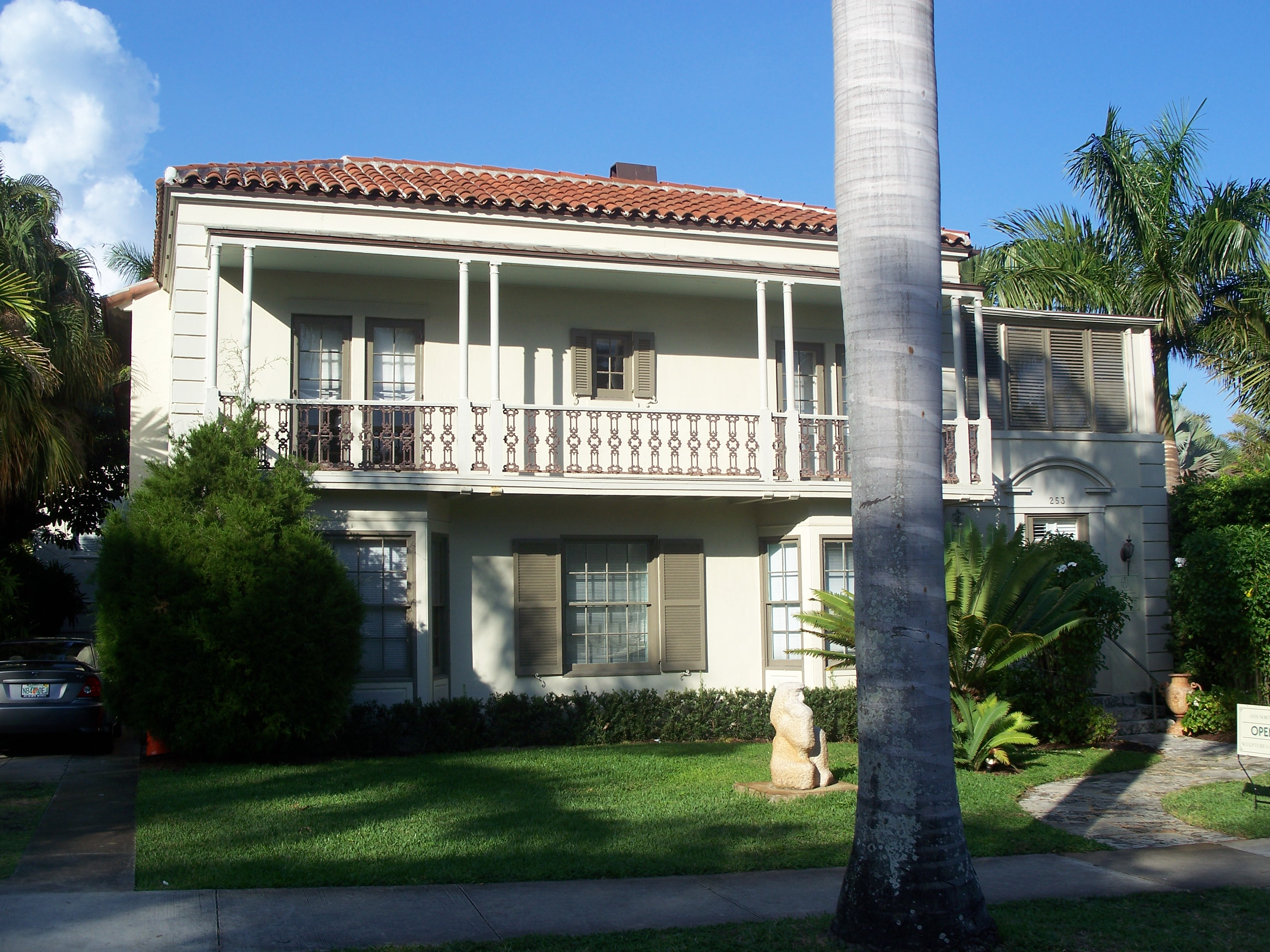 buildings and structures in west palm beach florida
