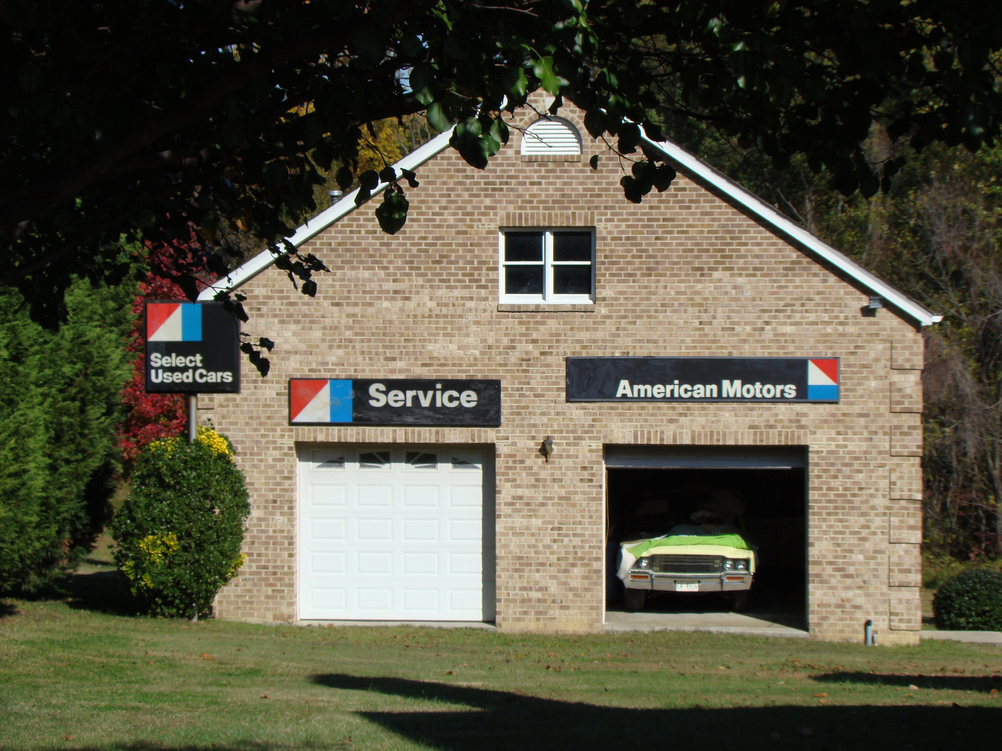 File Quot Dream Quot Garage In Backyard With Vintage Amc