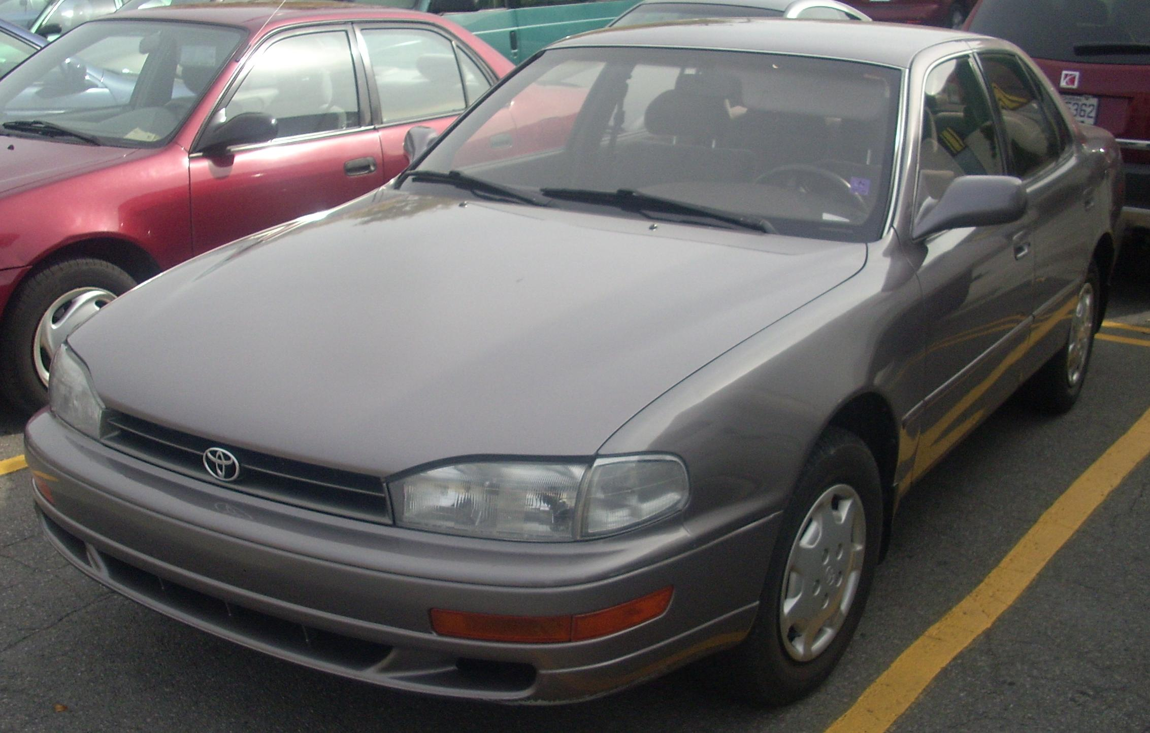 File 1992 94 Toyota Camry Sedan Jpg Wikimedia Commons