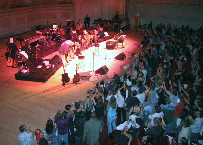 Elán at Carnegie Hall, New York, 2007<ref>{{cite web|title=Elán si zahraje ve vyprodané Carnegie Hall |url=https://www.idnes.cz/kultura/hudba/elan-si-zahraje-ve-vyprodane-carnegie-hall.A070823_142053_hudba_ob |website=idnes.cz |date=23 August 2007 |access-date=30 October 2020 |language=cs |trans-title=Elán will play in the sold-out Carnegie Hall}}</ref>