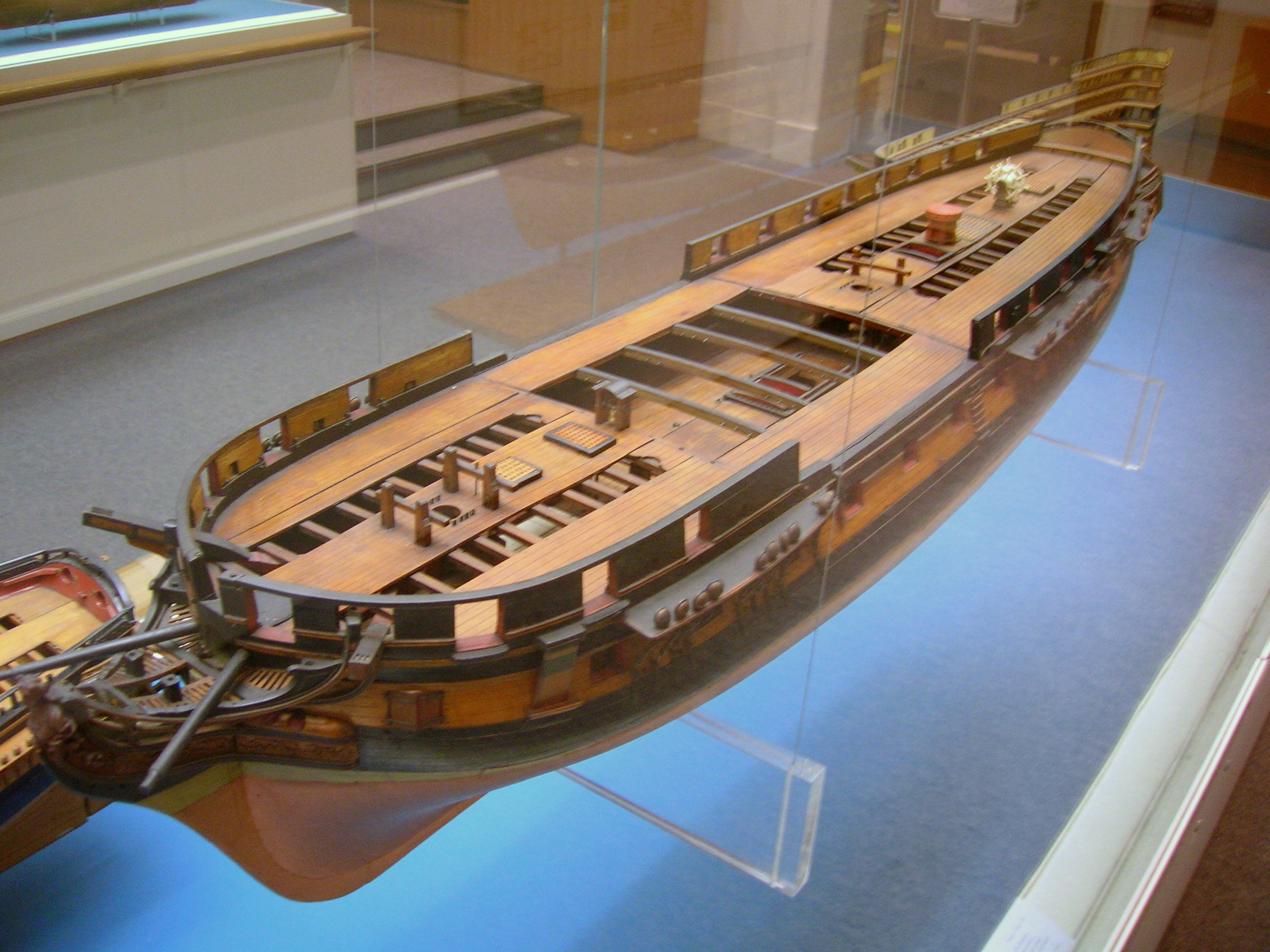 File:40-gun frigate model.jpg - Wikimedia Commons