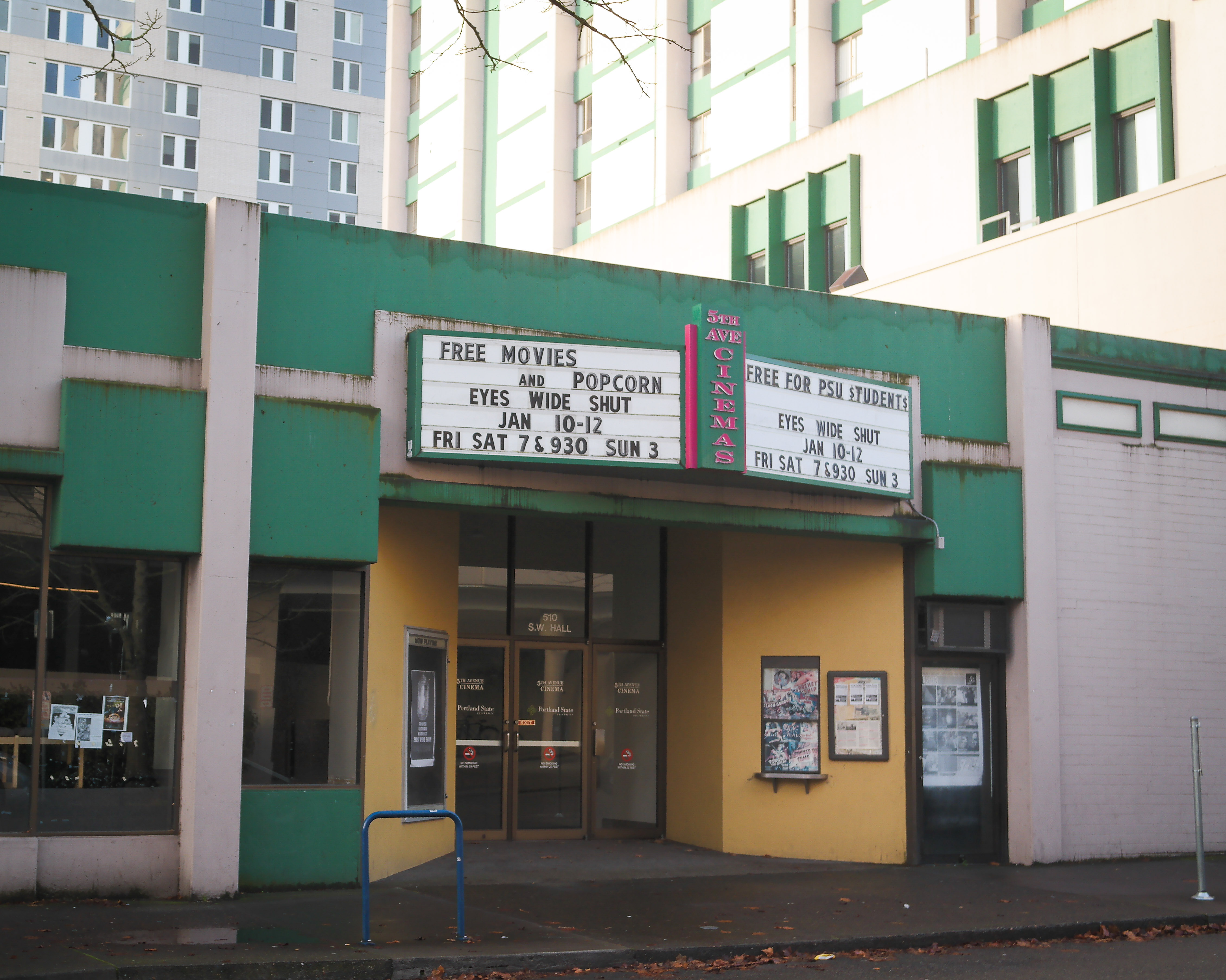 Th St Movie Theater Hours