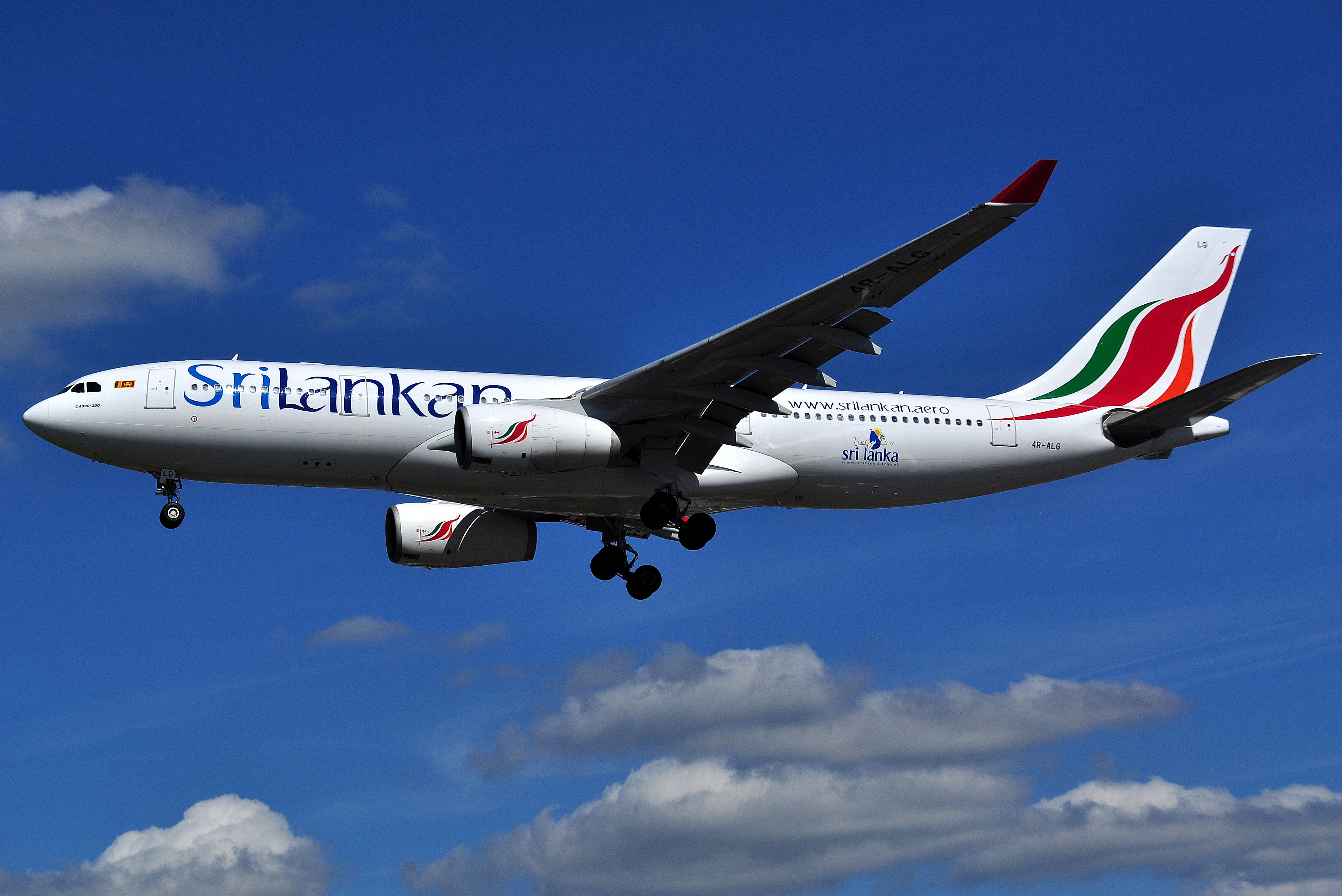 Description Airbus A330 200 SriLankan Airlines (4R ALG)