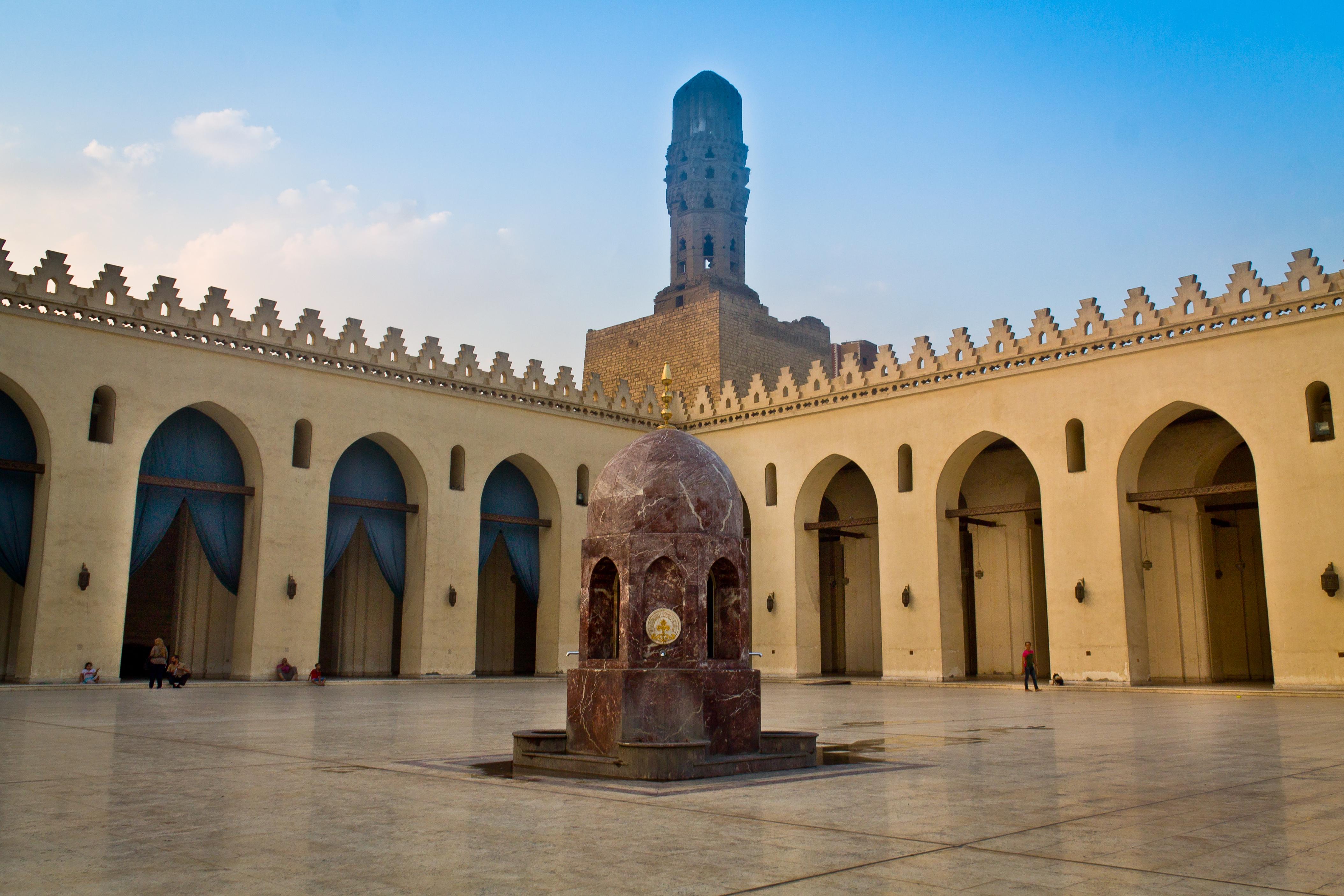 Картинки по запросу The al-Hakim Mosque in Cairo