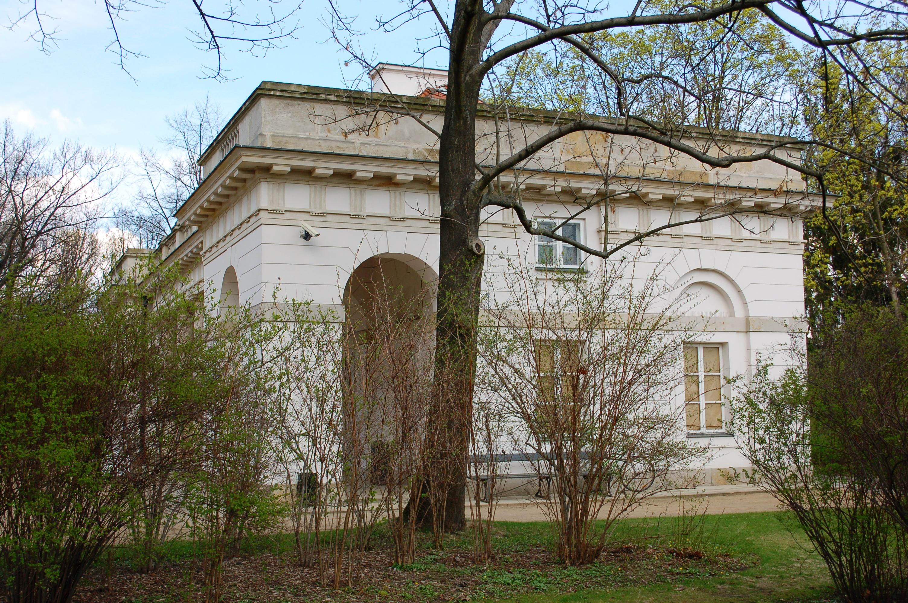 Filealtes Wachhaus Im Lazienki Park Warschau Dsc 1519jpg