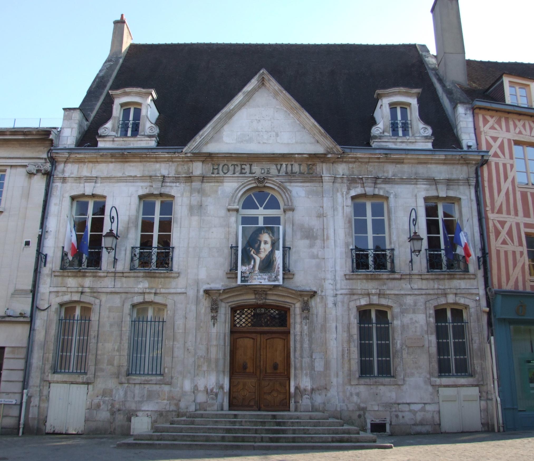 Hotel De Ville.jpg