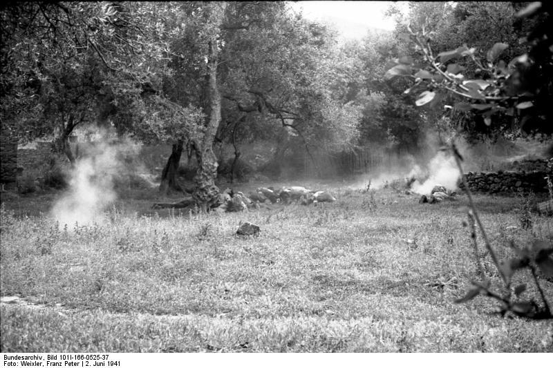 File:Bundesarchiv Bild 101I-166-0525-37,  Kreta, Kondomari,  Erschießung von Zivilisten.jpg